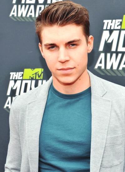 Nolan at the MTV Movie Awards 2013 - Red Carpet (14/04)