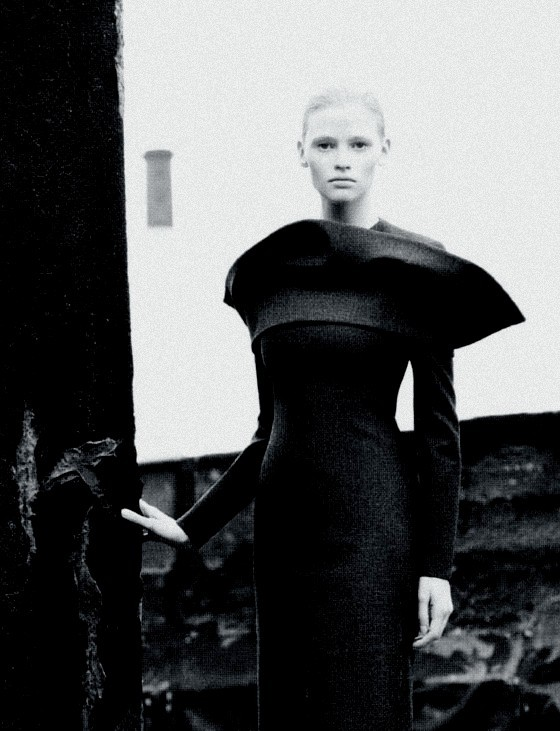 pradaphne:  Lara Stone photographed by Willy Vanderperre for Jil Sander Fall/Winter 2008 Ad Campaign.