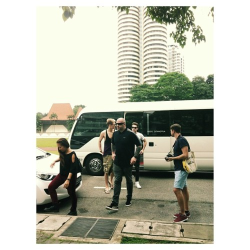 Hi guys LAWSON IS IN DA HOUSE. (and I was 1m away from them!?) (at Raffles Girls' School (Secondary))