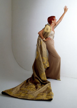 treshaute:  Linda Evangelista in Christian Dior Haute Couture by Gianfranco Ferré, 1991Ph: Patrick Demarchelier