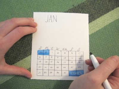 Ring in the new year with this fun and easy DIY calendar. This project is a double win: you get to clean out all your old magazines and scrap papers while making the perfect end-of-the-year gift for your calendar-loving friends. Who doesn't love a good calendar? What you'll need: 18 x 24 inch piece of paper (or what's lying around) Scissors Markers Glue stick Ruler Collage scraps/magazines An old CD case   More here: Make Your Own DIY Calendar From a Recycled CD Case | Living on GOOD