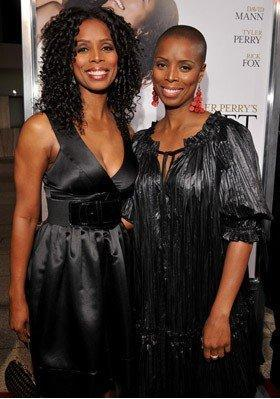 Tasha Smith and her twin Sidra