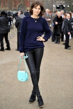 Alexa Chung Simple Look!