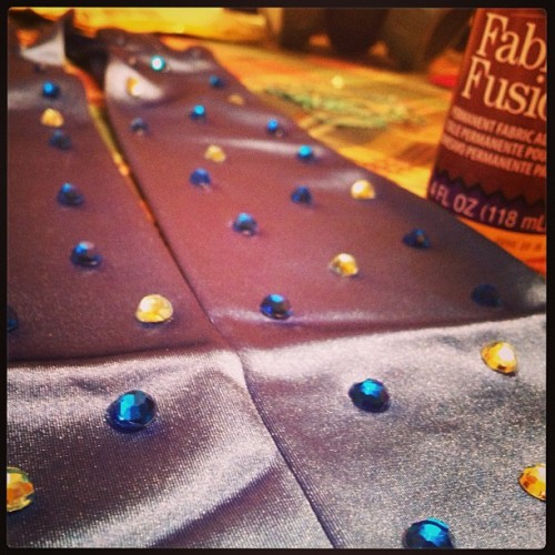 James is upstairs working on The Singular's new album & I'm rhinestoning a new costume. A house of creativity is a beautiful thing. :) #burlesque #burlyq #band #music #newalbum #thesingular #dahliadluxe #blue #creative #gemstones