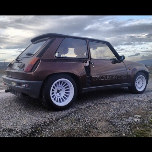 motormavens:  Wutcha know about this #Renault? :)