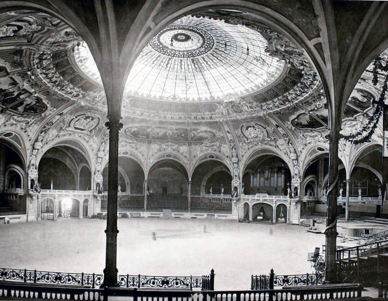 Inside the festival hall of the World's Fair in 1900, Paris