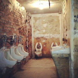 laughingsquid:  Recreation of CBGB's Bathroom at The Met's PUNK: Chaos to Couture