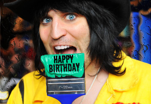 booshmore:  Happy 40th birthday, Noel Fielding! First 20 to reblog get a promo to 2095+. Should be following.