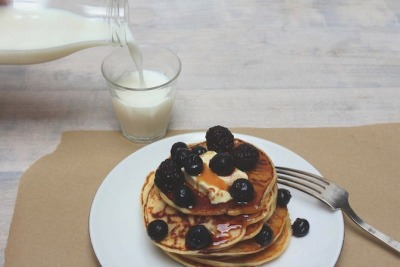 the-heat:  Mouthwatering. Pancakes by Laura Maat (LRMT)