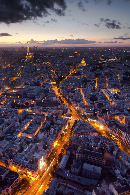 evocativesynthesis:  Paris (by M4thi3u | www.mathieulegrand.fr)