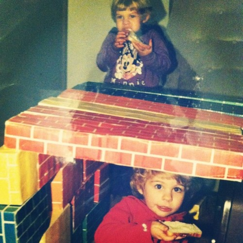 Back in the good ol' days when we built forts and then ate bread and butter inside them @ruthiechristine #tbt #throwbackthursday #coolsweaters #forts #yummmm