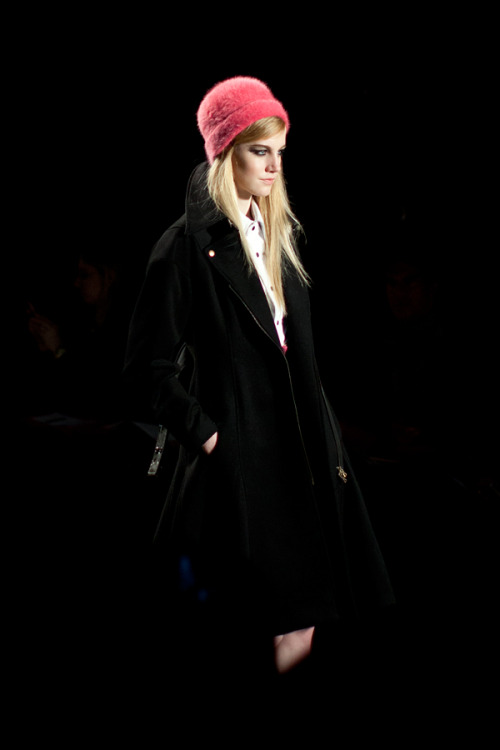 Loving the bright pink hat in this look from the Tracy Reese Fall 2013 runway show.