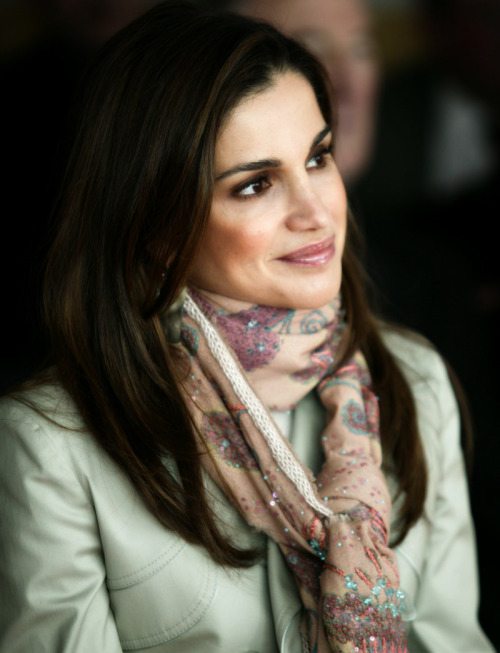 83/1000 Favorite Pictures of Royalty (❤) ↳ Queen Rania of Jordan