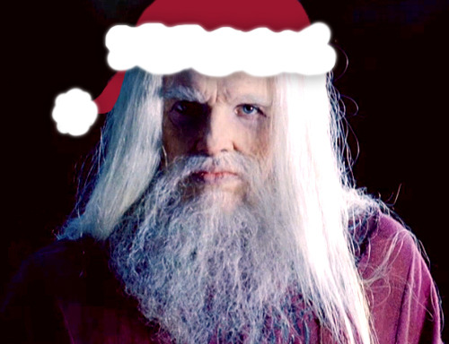 It's a Merlin Christmas, and Emrys Claus is coming to town! He sees you when you're sleepingHe speaks inside your headHe gives you handy plot-hintsSo you shoot straight up in bed… Here's my review of The Diamond of the Day: Part One.