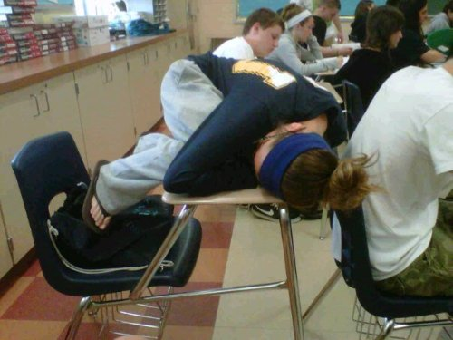 c0urtneys:  countless-chances:  shout out to this girl in my math class, you're doing it right   WHY DIDN'T I THINK OF THIS IN HIGH SCHOOL!?