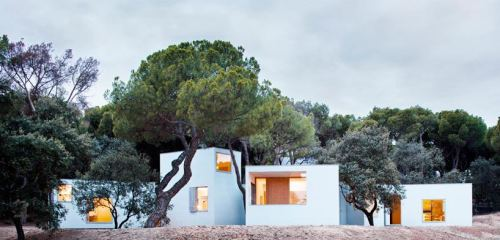 """MO House"" in Madrid, Spain by FRPO (rodríguez & oriol architecture)"