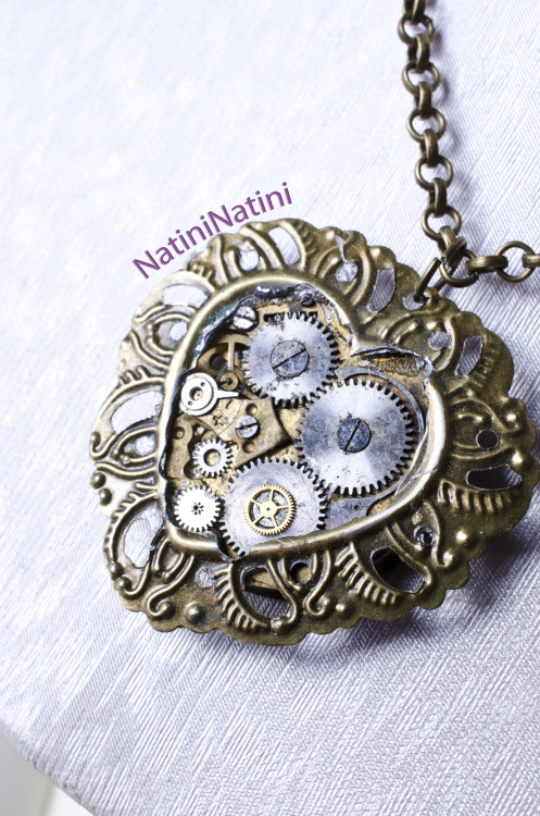 Facebook: https://www.facebook.com/NatiniArt Etsy: https://www.etsy.com/listing/130961150/floral-clock-heart