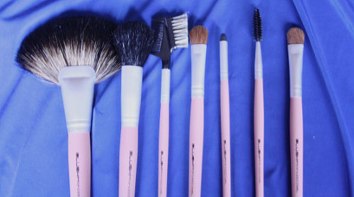 kandkphotography:  brushes from xmas <3