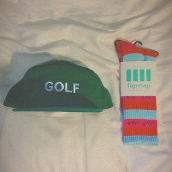 wr0ngeneration:  golf hat the color of a leprechaun with leprosy