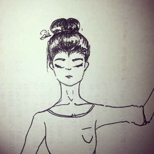 Working my highlights #practice #messybun #fashion #shiny #girl #art #drawing #iphonesia