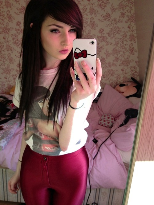 emo-girls-and-scene-girls:  http://emo-girls-and-scene-girls.tumblr.com/