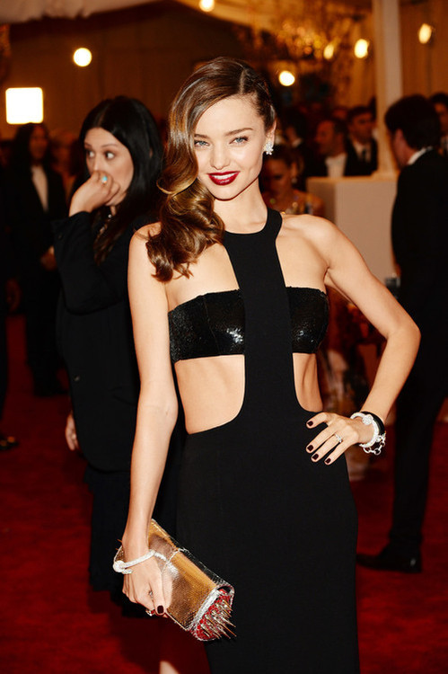 love-miranda-kerr-fan:  Miranda Kerr looking stunning at the Met Ball 2013.
