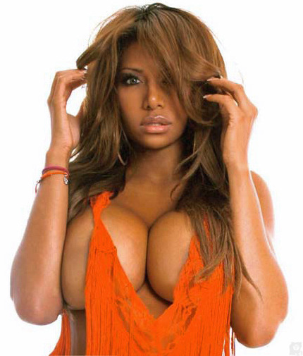 sexual—chocolate:  Delicious Divas http://sexual—chocolate.tumblr.com