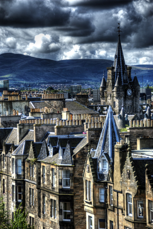 travelingcolors:  Edinburgh City | Scotland (by Patrick Theiner)