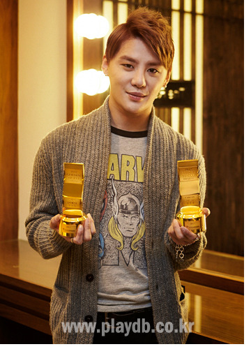 "Junsu with his ""Golden Ticket Awards"" Kim Junsu has been interviewed after getting the two ticket power awards (as musical actor & musician) [via XIAH Press]"