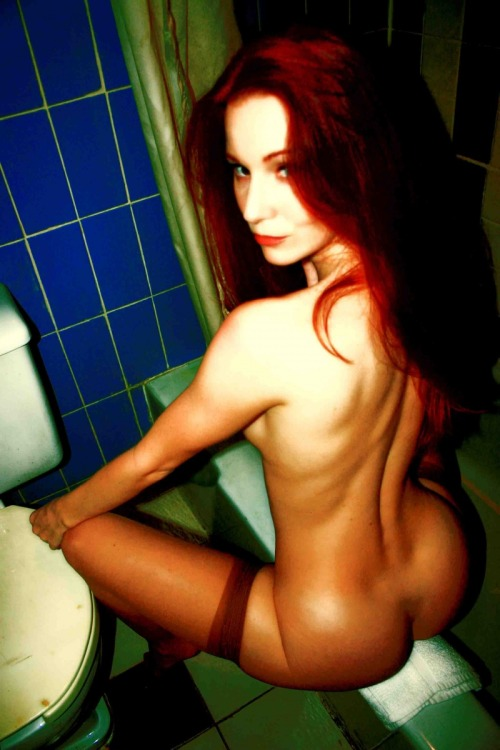 hotgirlz4u:  Leaving it up to your imagination?http://girlz4u.tumblr.com