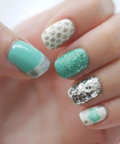 Beautiful nails with silver design. Check more stunning beauty nails here.