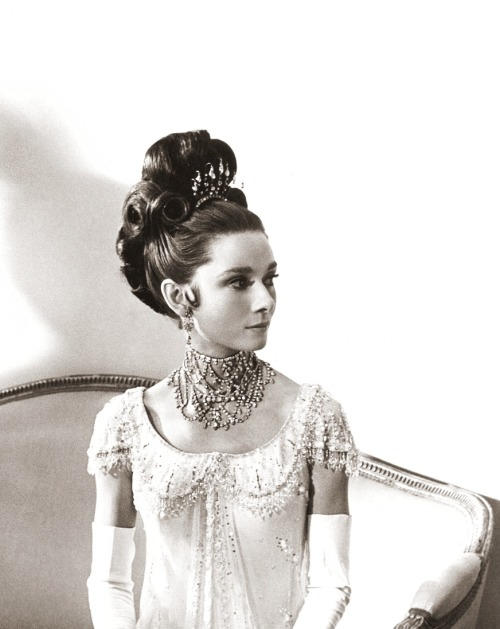 theswinginsixties:  Audrey Hepburn