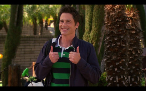 Double thumbs up for an all new episode of Parks and Rec this Thursday at 9:30/8:30c!