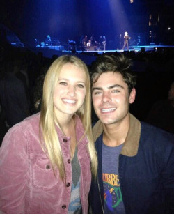 Zac with a fan at the Rolling Stones concert (may 19)