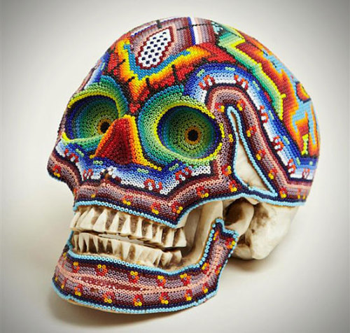rawbdz:   COLORFUL BEADED SKULLS