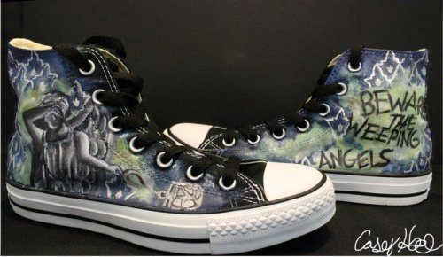 "doctorwho:  caseycreates:  Blink Inspired Shoes by ~caseycreates March 2013 Acrylic paint on canvas shoes Partial Commission Based off Doctor Who- Season 3's ""Blink"" episode.  Today is Fan Art Friday. Reblog your favorite Doctor Who fanart. We'll reblog some of our favs."