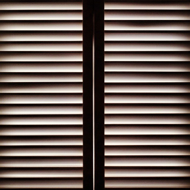 #minimal #minimalism #minimalobsession #lines #light #shadows #parallel #horizontal #vertical #geometric #gestalt