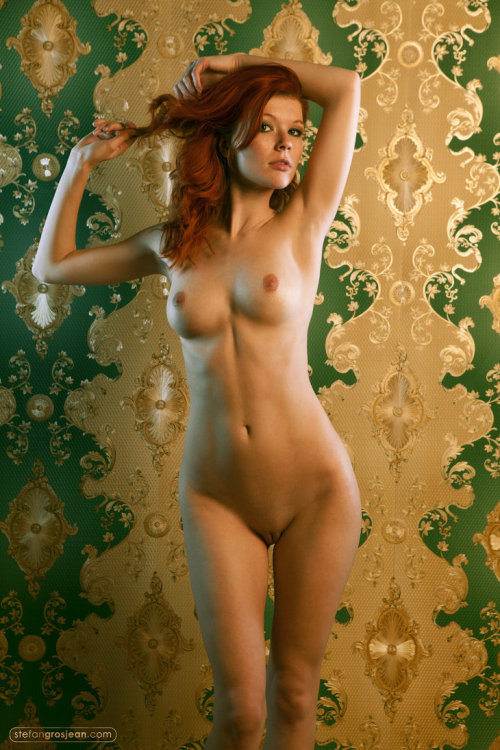 ioof:  Follow http://ioof.tumblr.com for daily updates of NSFW images. Reblog if this gets you hard or wet. Click for full size image.