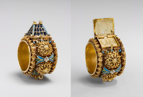 aleyma:  Jewish betrothal ring, made in Eastern Europe or Italy in the 17th or 19th century (source).