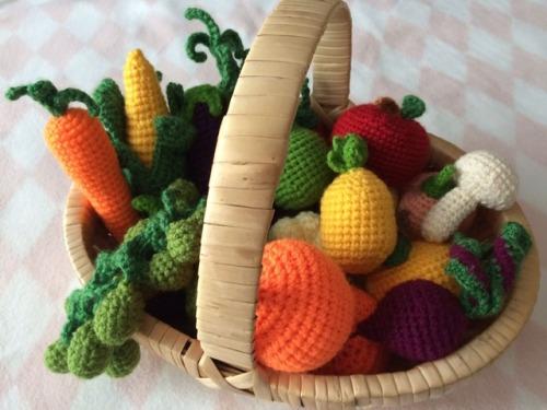 etsy mine etsy shop crochet crafts yarn wool accessories keychains keyrings cute Arts and Crafts yarn addict decorative