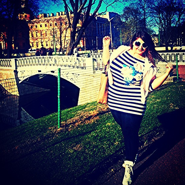 A walk in the beloved city.. #plussize #curvy #bbw #beautiful #city #girl #like #sun #model #size #pretti