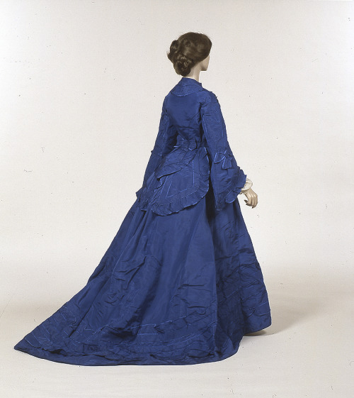 Day dress, late 1860's From Glasgow Museums