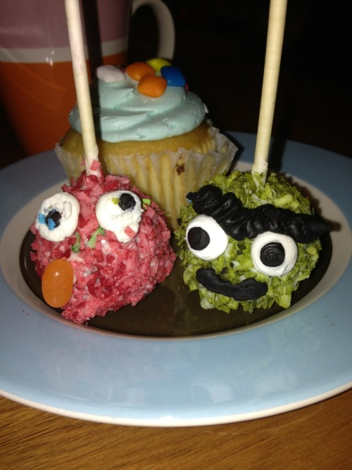 Two cake pops that were simply too retarded to pass up