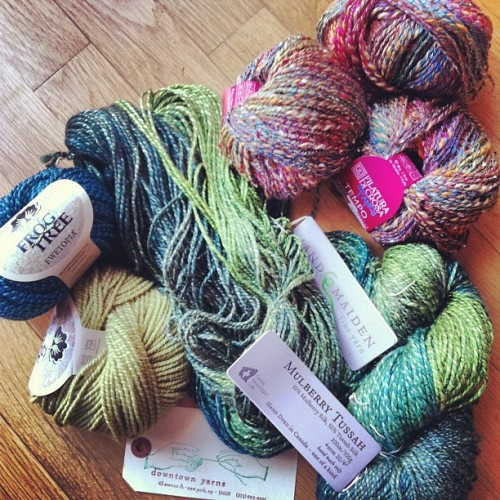 Yesterday's Yarnie Adventure to Downtown Yarns. My spotting silk at 50 paces got me my first ever Hand Maiden yarns. Got some fun Tempo and Ewetopia too!! #yarn #yarnporn #nyc #downtownyarns #silk  (at The City )