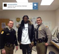 2Chainz got arrested for marijuana possession last night and these cops wanted a picture with him