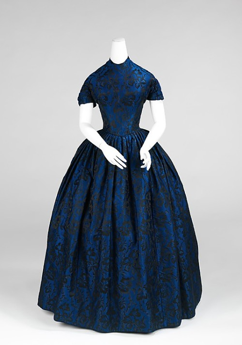 omgthatdress:  Evening Dress 1850-1852 The Metropolitan Museum of Art