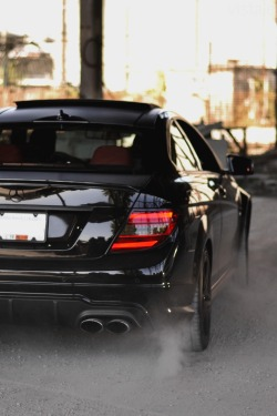 visualcocaine:  vistale:  Mercedes C63 | via     Oh my.