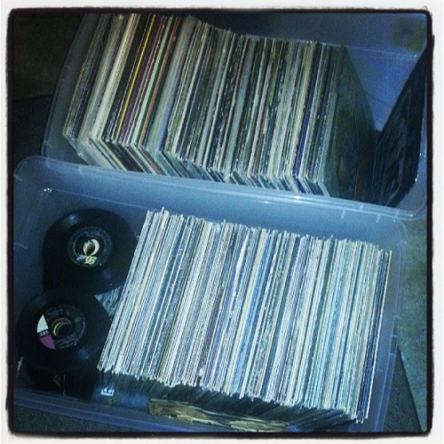 Doin' a little sorting. #records #vinyl #33s #45s #78s