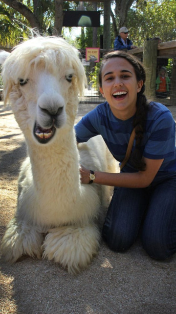 failnation:  Friend went to the Zoo, she made a friend.http://failnation.tumblr.com