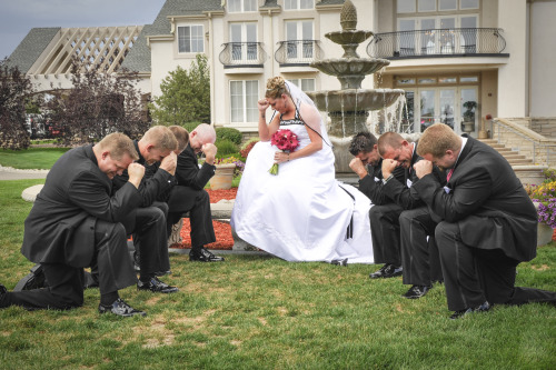 Bride and Groomsmen Tebowing